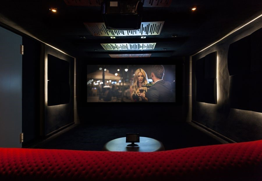 b2ap3_large_3-ways-a-home-theater-is-superior-to-a-commercial-theater